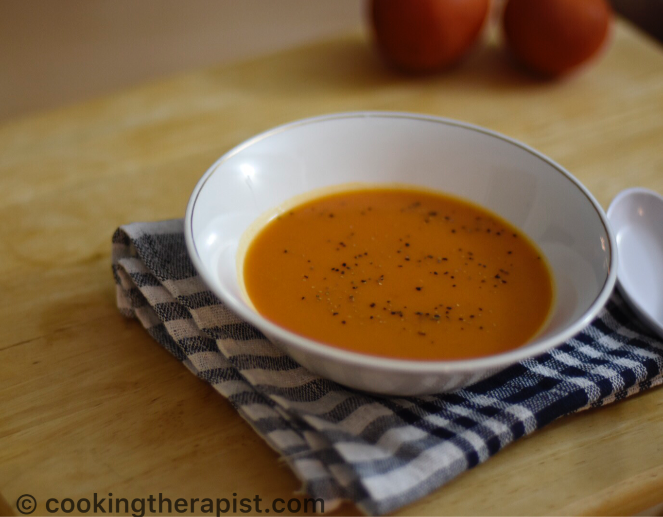 Classic Tomato soup / One pot quick and easy tomato soup