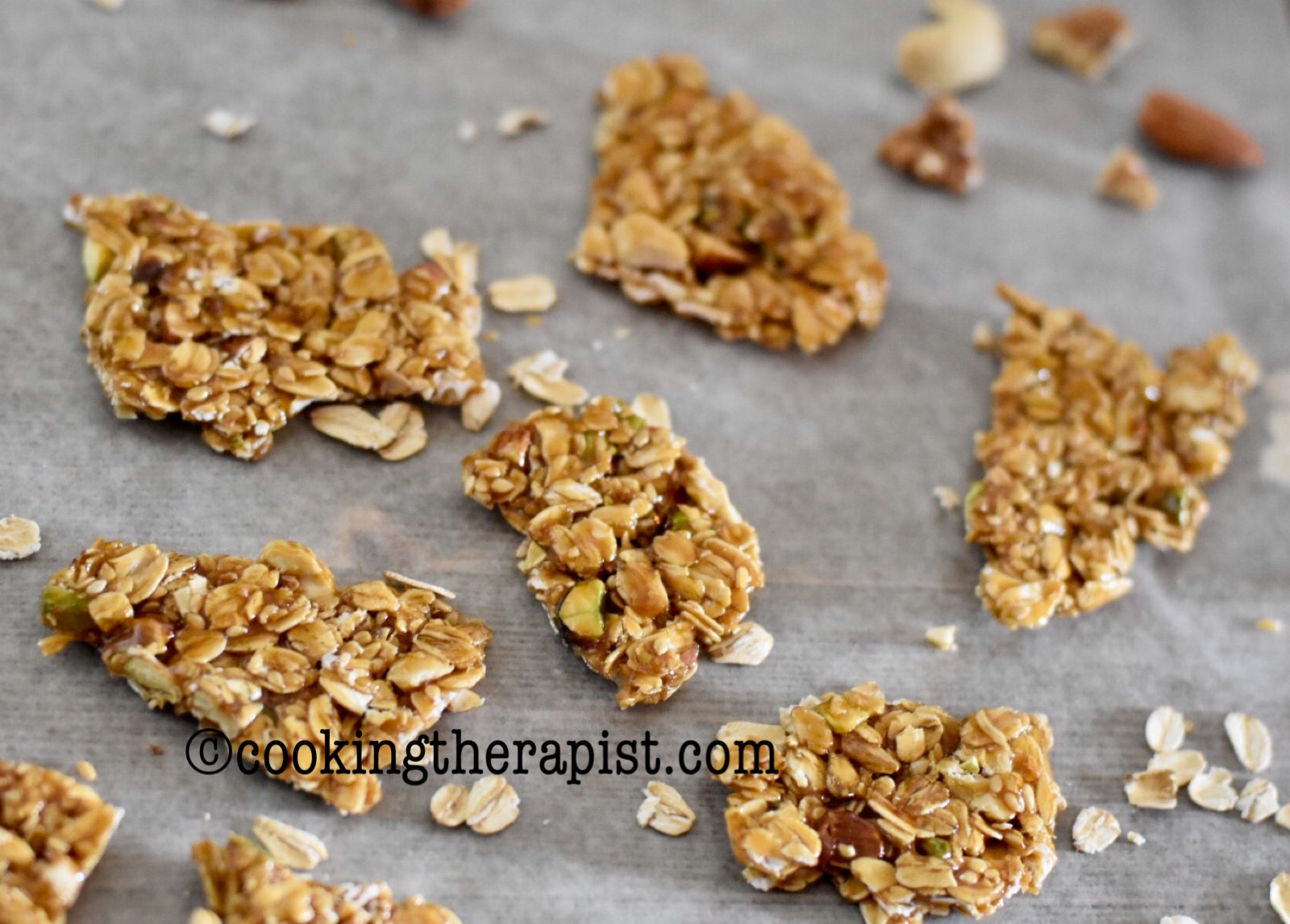 Oats and nuts chikki /Indian style energy bar/ Oats and nuts brittle ( V + GF )